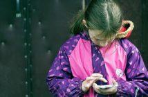 meisje mobiel