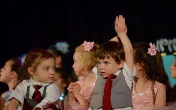 kinderen optreden